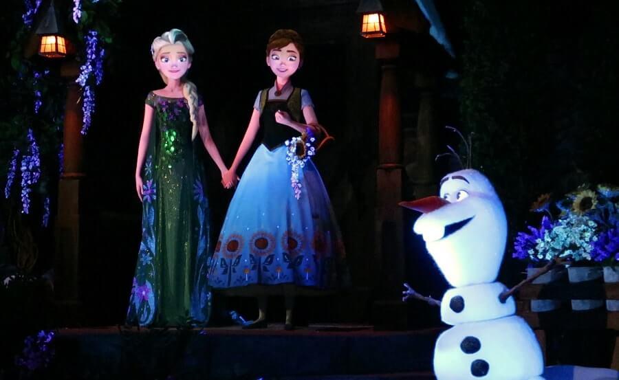חמשת המתקנים השווים באפקוט Frozen Ever After