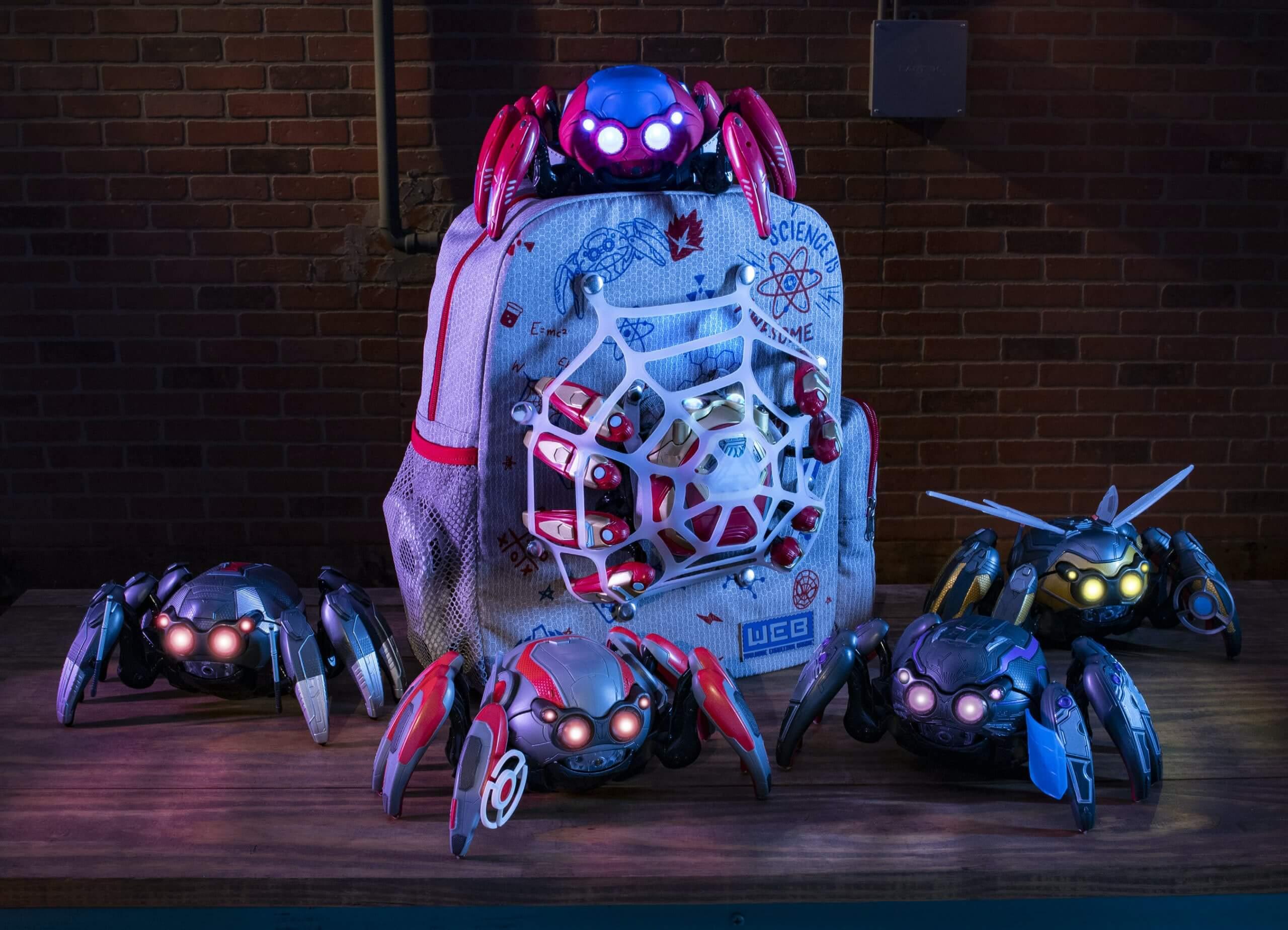רובוטי עכביש ומרצ'נדייז קמפוס הנוקמים דיסנילנד